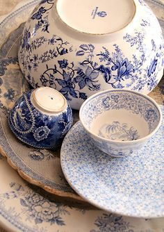 blue and white...LOVE!