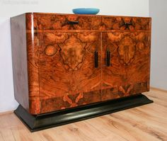 Burr Walnut Art Deco Sideboard - Antiques Atlas
