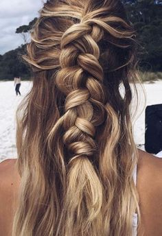The perfect hairdo for a lazy day or a day at the beach.