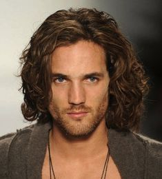 men with long hair | Guy with long brown curly/wavy hair hairstyle and stubble