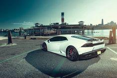 Multispoke Exotic Looking Rims Enhance the Beauty of White Lamborghini Huracan