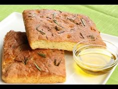 This Golden Gluten Free Focaccia Bread Recipe should be a staple in any gluten free household. So easy to make and down right delicious, this bread can be ea. Gluten Free Focaccia Bread Recipe, Gluten Free Banana Bread, Bread Recipes, Gluten Free Recipes Videos, Celiac Recipes, Keto Recipes, Healthy Recipes, Foods With Gluten, Food To Make