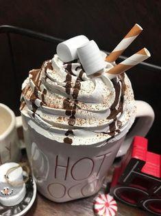 Diy Whipped Cream, Whipped Topping, Fake Cake, Fake Cupcakes, Cream Mugs, Cocoa Recipes, Hot Chocolate Mug, Hot Cocoa Bar, Diy Mugs