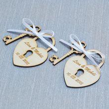 Boda personalizada etiqueta, grabado de madera etiquetas, corazón y la clave, boda personalizada favorece, boda rústica etiqueta de madera, 5 modelos(China (Mainland))