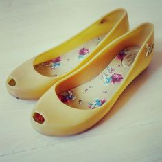 Vivienne Westwood x Melissa Ultragirl Jelly in Yellow