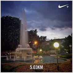 #nikeplus #myrun #running #run #eveningrun #5k #instarunner #goodevening #fountain #city #park #menteng #jakarta #indonesia #larisore #lari
