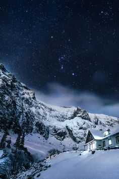 Cabin in Bucegi Mountains, Romania | Silviu Mustatea