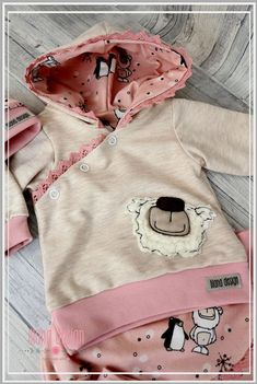 by: Lilana Design von: Lilana Design - Cute Adorable Baby Outfits Toddler Outfits, Kids Outfits, African Dresses For Kids, Baby Pullover, Shower Bebe, Baby Couture, Inspiration Mode, Diy Dress, Cute Baby Clothes