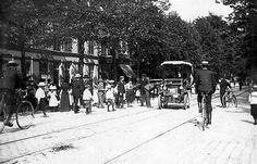 De 1e auto in Utrecht | Uit de krant van 1896 | Gisteren passeerde op de Biltstraat een rijtuig zonder paarden