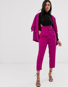 Buy Stradivarius paperbag trousers in pink at ASOS. With free delivery and return options (Ts&Cs apply), online shopping has never been so easy. Get the latest trends with ASOS now. Paperbag Hose, Paperbag Pants, Pink Trousers, Tailored Trousers, Pink Pants Outfit, Suit Fashion, Fashion Outfits, Asos, Trouser Outfits