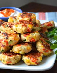 veggie chicken meatballs - great as a cold snack too. Make up a batch and have on hand for trips to the park Baby Food Recipes, Chicken Recipes, Dinner Recipes, Cooking Recipes, Healthy Snacks, Healthy Eating, Healthy Recipes, Kids Meals, Easy Meals