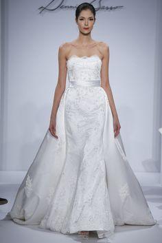 Vestido de novia con cola desmontable de Dennis Basso (FW 2014) #weddingdresses #NYBW