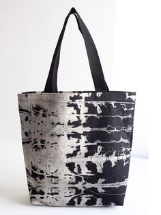 <p>Dye pattern on each bag varies, making each one truly unique. </p> <p> </p> <p>+ Canvas is hand dyed in Brooklyn and each bag is entirely made in the USA.</p> <p>+ Bag measures 15 inches x 18 inches with 5 inch gusset. </p> <p>+ Interior pocket is 8 inches x 10 inches.</p> <p>+ Canvas handle is 23 inches long. </p> <p>+ Not eligible for overnight shipping. </p>