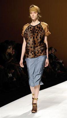 Max Mara saca a la fiera de cada mujer en la Semana de la Moda de Milán