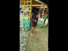 Beggar with a golden voice goes viral - WATCH VIDEO HERE -> http://philippinesonline.info/trending-video/beggar-with-a-golden-voice-goes-viral/   Beggar singing Celine Dion and Bryan Adams hit totally nails it Video Credit:  Pakz Abonado Formalidad via Facebook Video credit to the YouTube channel owner