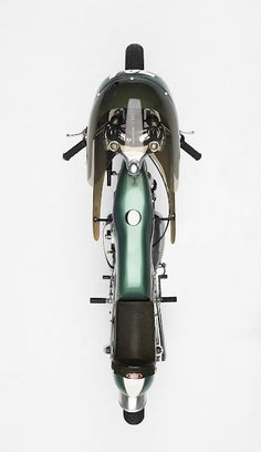 Ride along the beach. - Another female cafe racer. BMW Café Racer by Team Incomplete Cafe Racer and Wolv. Cafe Bike, Cafe Racer Motorcycle, Classic Motorcycle, Racing Bike, Women Motorcycle, Motorcycle Helmets, Auto Racing, Motos Vintage, Vintage Bikes