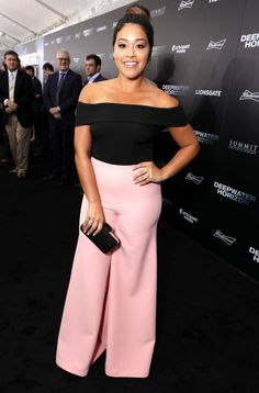 Gina Rodriguez in Safiyaa attends the New Orleans premiere of 'Deepwater Horizon'. Teen Choice Awards 2016, Gina Rodriguez, Jane The Virgin, Cool Style, My Style, Night Looks, Petite Fashion, Fashion Outfits, Women's Fashion