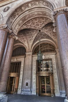 DETROIT //General Motors Building, built in 1921