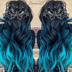 Haare blue hair Iris as garden plants Article Body: Iris is the name of a genus of flowering plants Cute Hair Colors, Pretty Hair Color, Beautiful Hair Color, Hair Dye Colors, Ombre Hair Color, Blue Ombre, Chic Short Hair, Balayage Ombré, Pinterest Hair
