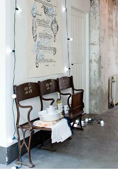 antique theater chairs for entrance or nook shabby cottage chic. Interior Design Blogs, Interior Inspiration, Interior Decorating, Deco Cinema, Cinema Chairs, Cinema Seats, Theater Seating, Home And Living, Home Remodeling