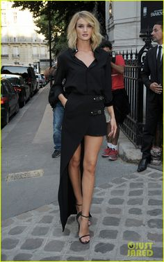 Rosie Huntington-Whiteley is stunning in black while hitting the Vogue Paris Foundation Gala at Palais Galliera on Monday (July 6) in Paris, France. The 28-year-old…