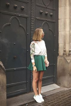 Looks con zapatillas (My Showroom) Skirt Fashion, Love Fashion, Fashion Looks, Womens Fashion, Net Fashion, Style Fashion, Casual Summer Outfits, Spring Outfits, Cute Outfits