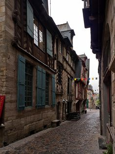 Rue Beaudrairie, Vitré by Jose Antonio Abad, via Flickr