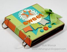 Great paper craft blog......From the very talented Vicki W...need to find energy to make this!