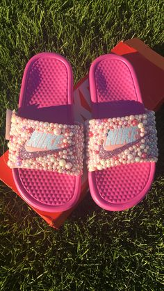 #PrettyInPink #Customized #NikeSlides  Find and like us on Instagram @sprinkle_myfeet Fly Shoes, Bling Shoes, Sneakers Fashion, Fashion Shoes, Shoes Sneakers, Crazy Shoes, Me Too Shoes, Glitter Nikes, Nike Sandals