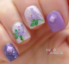 lilac manicure, nail art