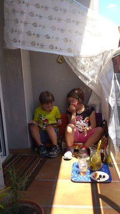 Un racó de lectura exterior i una llimonada fresca. #creixercreant
