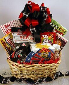 DIY Movie Night Gift Basket w/popcorn, candy, movie gift card and pizza gift card Gift Baskets For Men, Themed Gift Baskets, Raffle Baskets, Fundraiser Baskets, Theme Baskets, Craft Gifts, Diy Gifts, Movie Night Gift Basket, Desserts Valentinstag