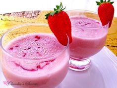 """Strawberry smoothie...The flavor of this smoothie...has been enriched with a few drops of one of the most famous Italian liquors... the """"Limoncello"""""""