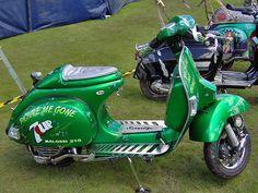 Vespa PX200 Custom Paint Job in UK.  by reidbrand, via Flickr