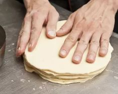 Vajas croissant | Varga Gábor (ApróSéf) receptje - Cookpad receptek Croissant, Bakery, Lime, Dishes, Recipes, Food, Limes, Tablewares, Recipies