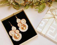 White Bridal earrings, Soutache earrings, Dirndl Schmuck, Elegant Earrings, Small Gold Earrings, Modern unique earrings, Wedding jewelry Brown Earrings, Yellow Earrings, Gold Earrings, Unique Earrings, Bridal Earrings, Unique Jewelry, Soutache Earrings, White Bridal, Wedding Jewelry