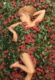 Bette Midler by Annie Liebovitz..