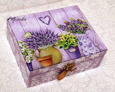 Fialová levanduľová Decoupage Furniture, Fairy Furniture, Decoupage Box, Cardboard Crafts, Wood Crafts, Painted Wooden Boxes, Hand Painted, Crafts To Make And Sell, Diy And Crafts