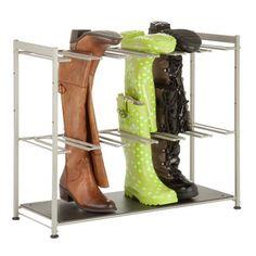 Diese Stiefelaufbewahrung wird eine ausgezeichnete Lösung für die Lagerung schmutziger Stiefel sein. Er wurde für 4 Paare von Stiefels entworfen und wird dabei helfen, ihre ursprüngliche Form zu behalten.