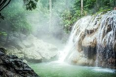Guatemala I Waterfall I Rainforest I Adventure
