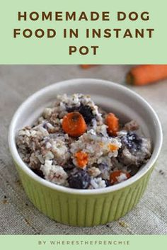 Homemade Dog Food In Instant Pot Homemade Dog Treats, Healthy Dog Treats, Doggie Treats, Dog Treat Recipes, Dog Food Recipes, Healthy Recipes, Dog Breakfast, Vegan Dog Food, Animal Nutrition