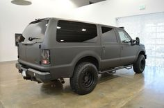 Find used 2001/2013 Ford Excursion Ultimate Urban Limo in Denver, Colorado, United States, for US $62,000.00 Ford 4x4, Lifted Ford, Ford Excursion Diesel, Tactical Truck, Jeep Suv, Old Pickup Trucks, Truck Camping, Expedition Vehicle, Ford Motor Company