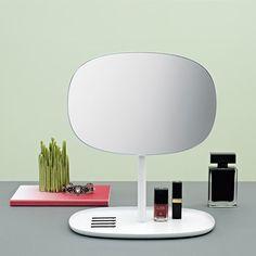Espejo Flip | Normann Copenhagen | Espejo de Mesa | Tocador.
