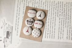 fabric button magnets Mummy Crafts, Buttons Ideas, Magnets, Crafty, Stitch, Handmade Gifts, Fabric, Diy, Textiles