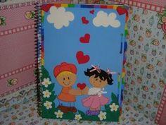 Capas de caderno em eva- Todos nós sabemos que na véspera de volta as aulas é aquela correria. As lo