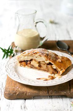 apple strudel with vanilla custard