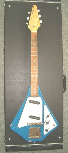 Jolana Guitar - Czech - Production of Star IX guitar started in 1970 in Krno.