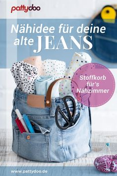 Sew a fabric basket from old jeans PATTYDOO - Throw away old jeans? Because you can use the robust fabric wonderfully to sew a prett - Diy Jeans, Diy With Jeans, Jean Diy, Diy Clothes Videos, Diy Couture, Creation Couture, Clothing Hacks, Tote Bag, Leather