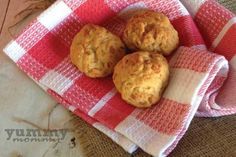 Cheese mini pie { Τυροπιτάκια εύκολα } Toddler Meals, Toddler Food, Mini Pies, Baby Food Recipes, Muffin, Cheese, Cookies, Healthy, Breakfast