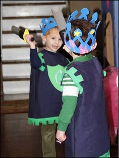Easy looking costumes (tshirts & felt) & decorated crowns
